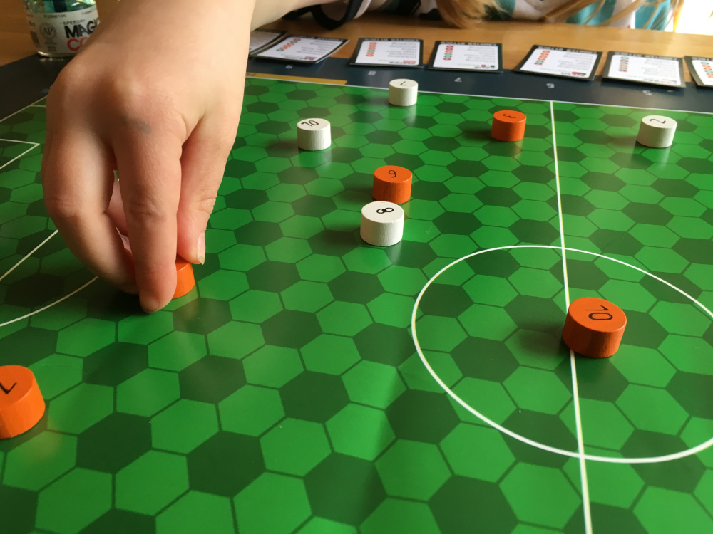 FOOTBALL UNPLUGGED – CREATING A FOOTBALL GAME